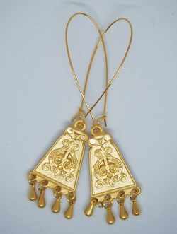 Gold Giselle Drop Earrings gull - Isle&Tribe